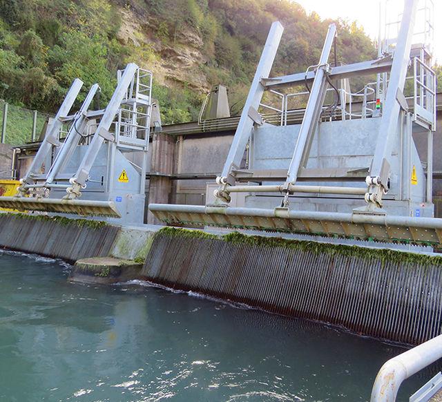 Raw Water Intake Trash Rake Systems